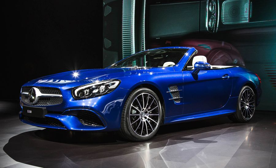 2017 Mercedes-Benz SL Debuts with New Look