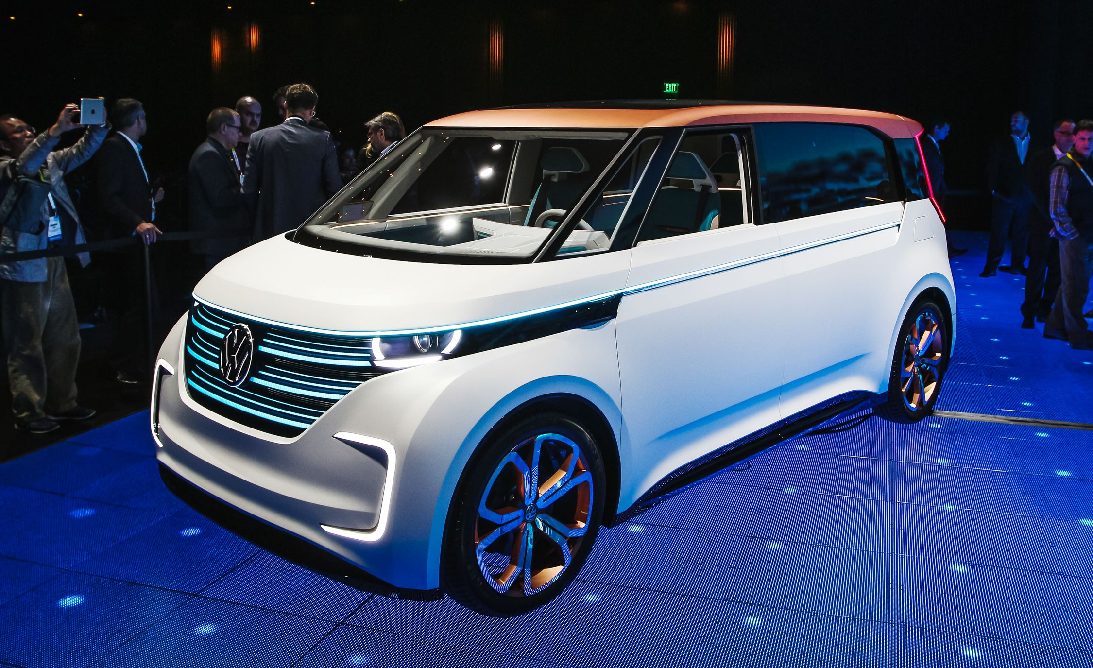 Volkswagen BUDD-e Concept: Inspired by Microbus