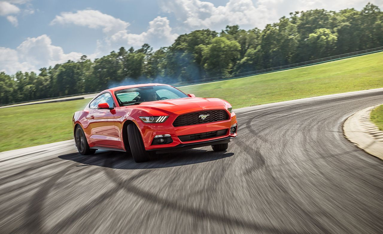 Lightning Lap 2015: 2015 Ford Mustang EcoBoost