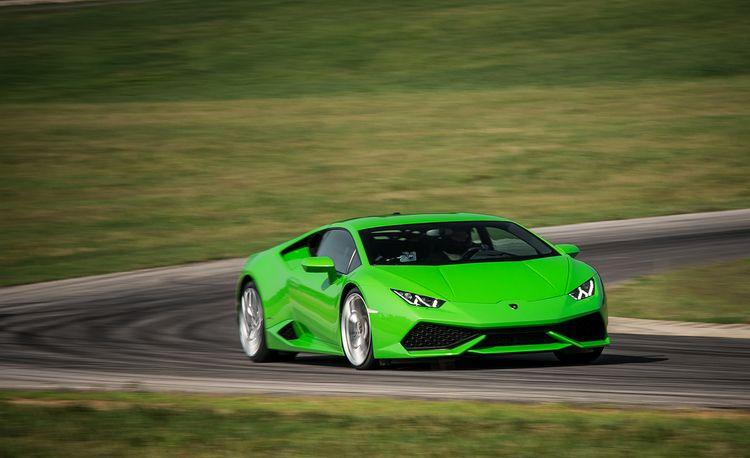 Lightning Lap 2015: 2015 Lamborghini Huracan LP610-4