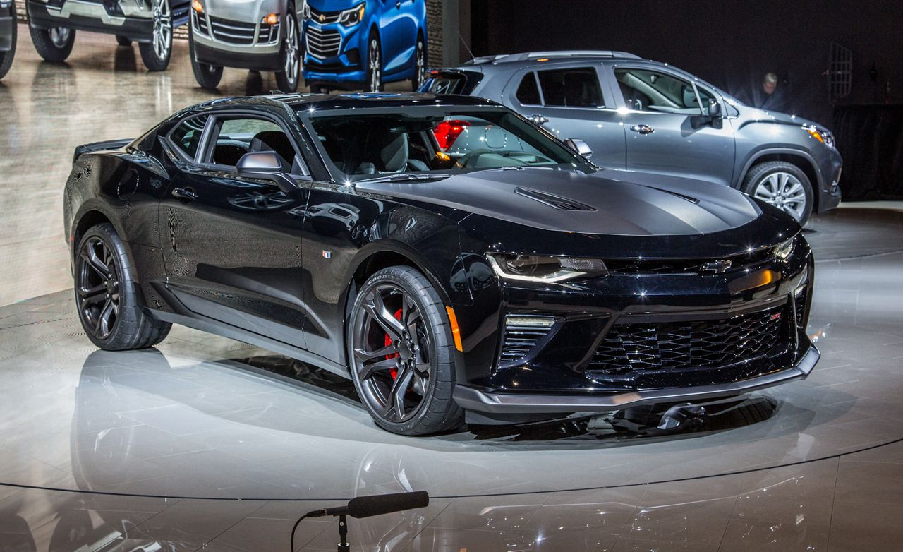 2017 Chevrolet Camaro 1le V 6 V 8 Photos And Info News Car And Driver
