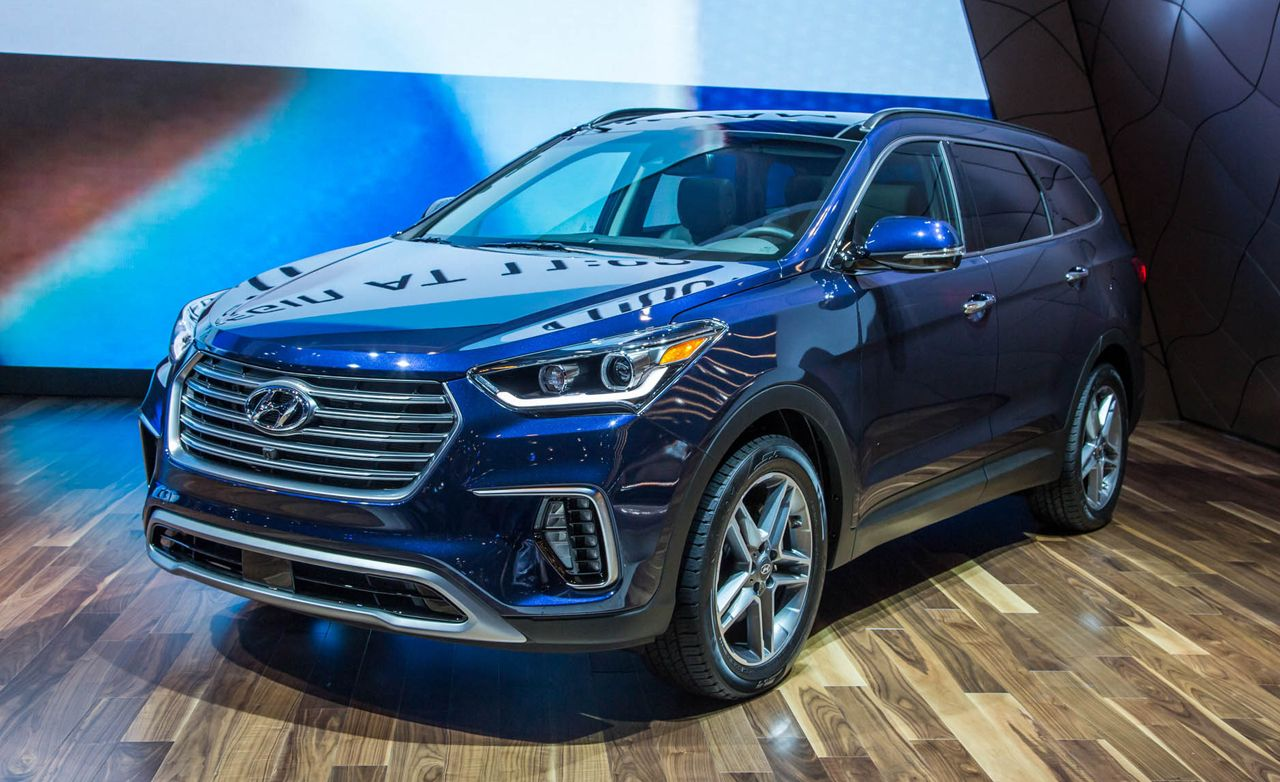 2017 Hyundai Santa Fe Photos and Info | News | Car and Driver