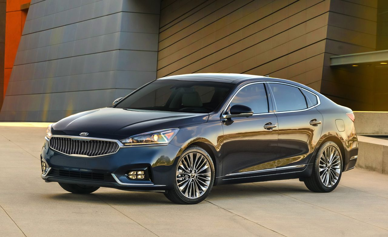 2017 kia cadenza photos and info news car and driver rh caranddriver com 2014 Kia Cadenza 2014 Kia Cadenza