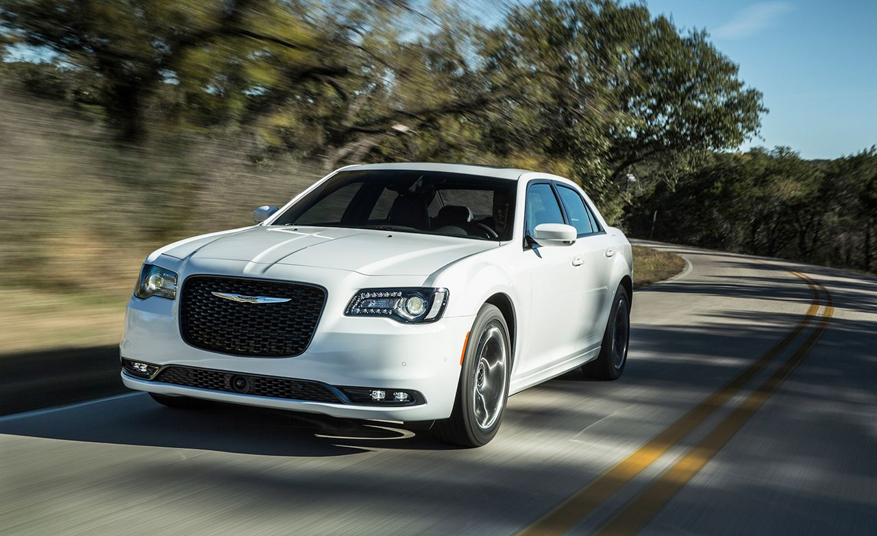 2016 Chrysler 300 V 6 V 8 Review Car And Driver