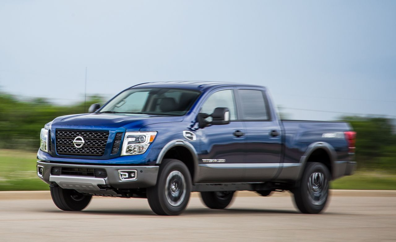 How much does a nissan titan weigh
