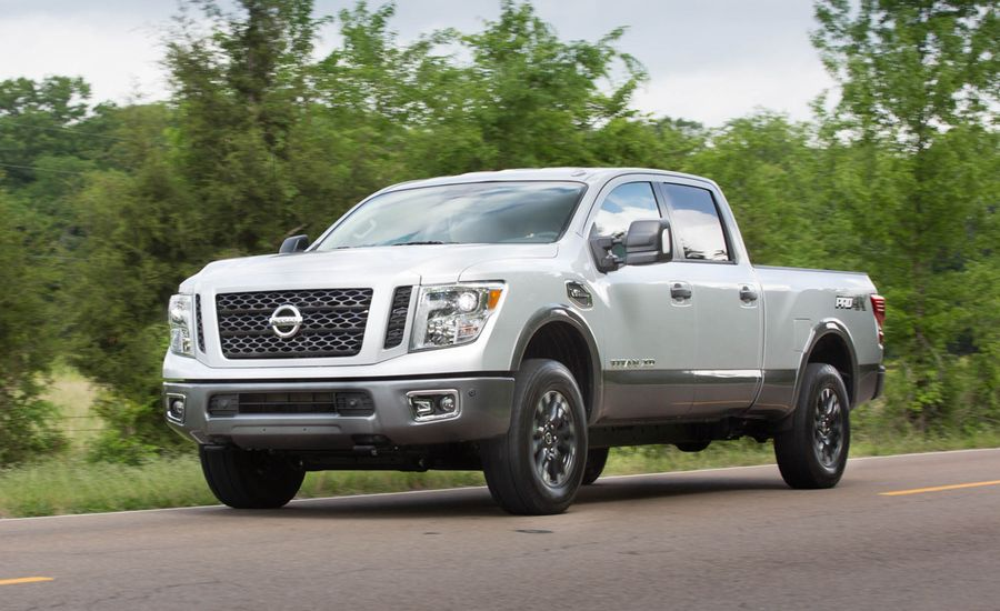2016 nissan titan xd gas v 8 first drive review car and driver. Black Bedroom Furniture Sets. Home Design Ideas