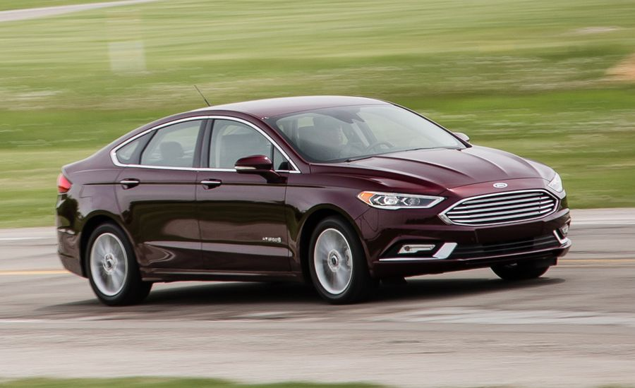 2017 ford fusion hybrid first drive review car and driver. Black Bedroom Furniture Sets. Home Design Ideas