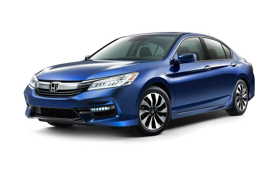 2017 Honda Accord Hybrid It S Back And Rejuvenated