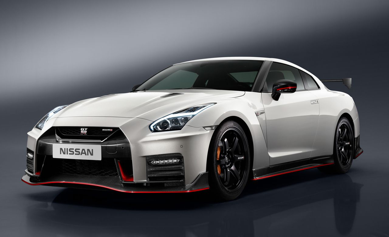 2017 Nissan GT-R NISMO: No More Power, but a Much Improved Interior
