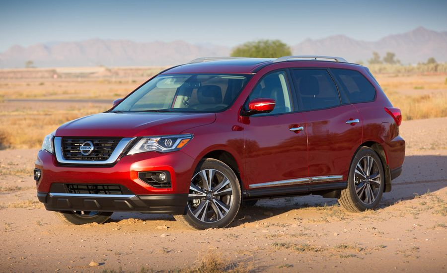 2017 Nissan Pathfinder Mostly Stays on Path