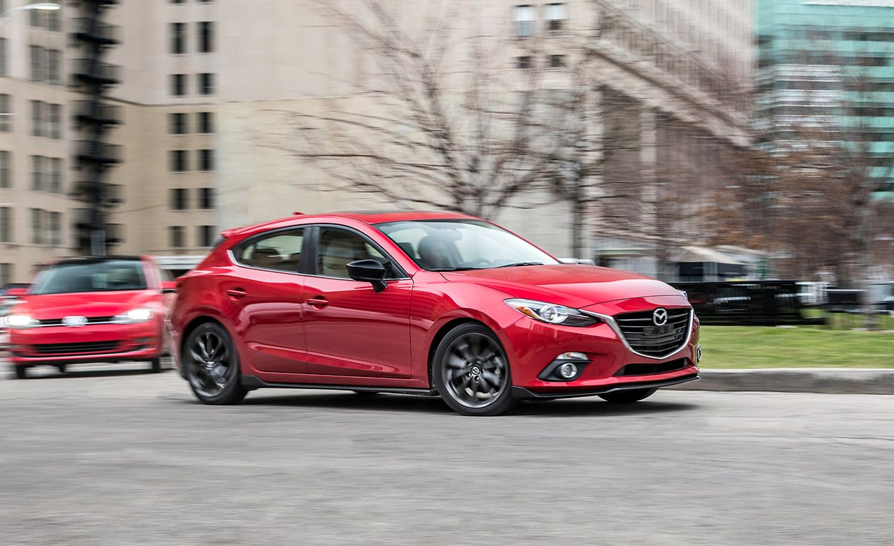Mazda3 S Grand Touring >> 2016 Mazda 3 2 5l Vs 2015 Volkswagen Golf 1 8t Tsi Comparison