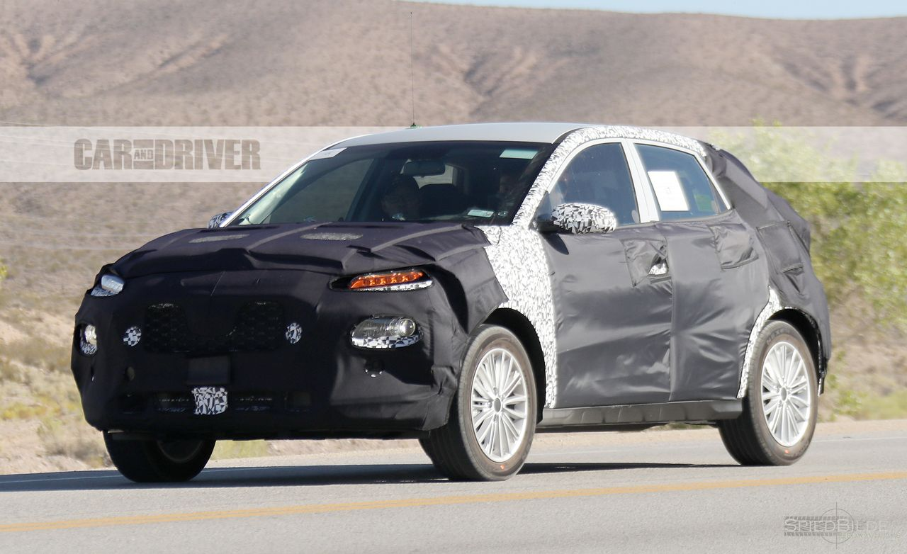 Kia Is Making a Subcompact Crossover Thing, and We Have Spy Photos