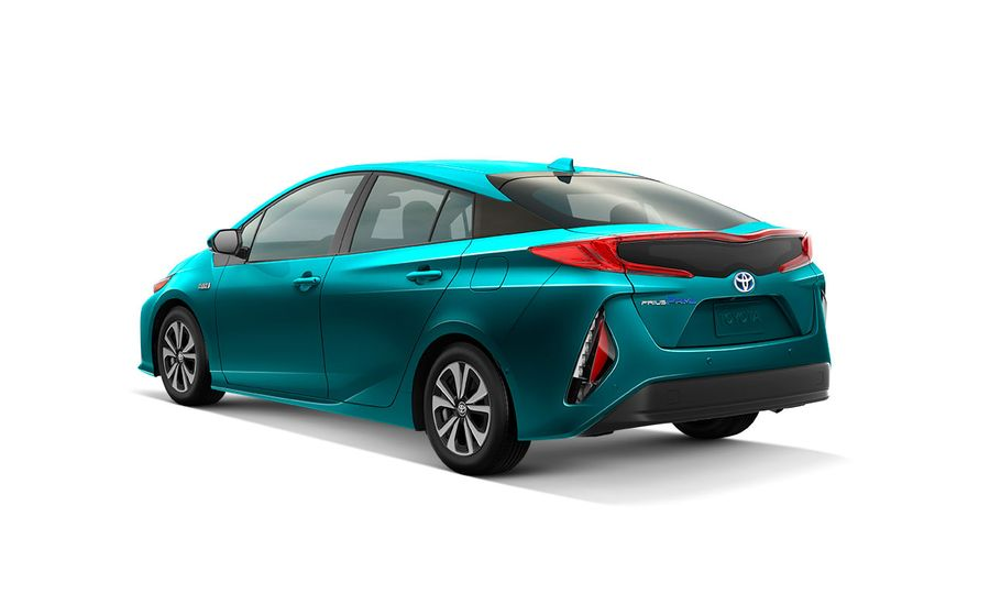 Toyota for 2017: What\'s New – Feature – Car and Driver
