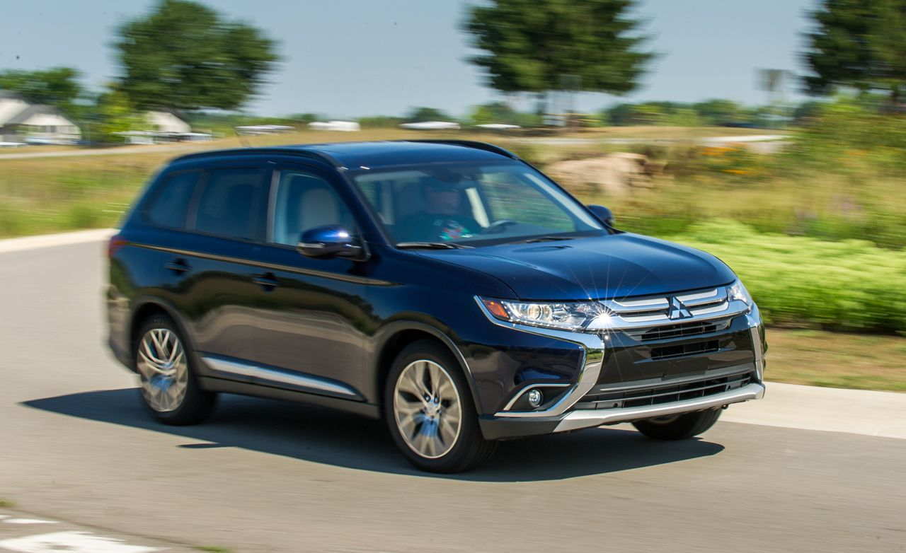 2016 mitsubishi outlander 2 4l awd tested review car and driver. Black Bedroom Furniture Sets. Home Design Ideas