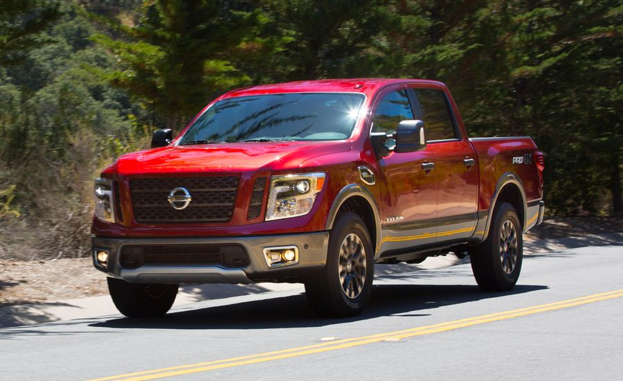2017 nissan titan first drive review car and driver. Black Bedroom Furniture Sets. Home Design Ideas
