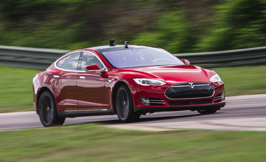 Between a Watt and a Hot Place: We Lap the Tesla Model S P85D at VIR!
