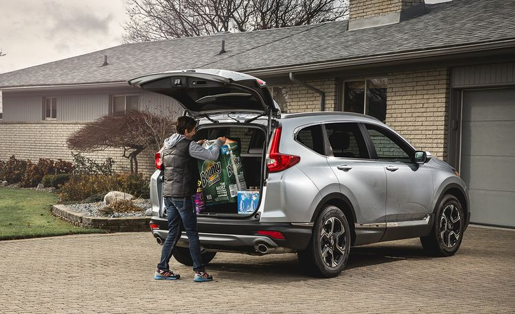The Honda CR-V Is the Best Compact SUV – 2017 10Best Trucks and SUVs