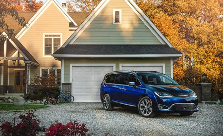 The Chrysler Pacifica Is the Best Van – 2017 10Best Trucks and SUVs