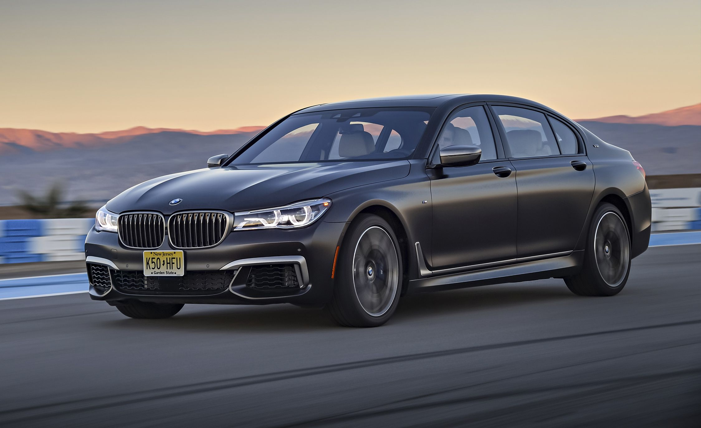 2017 BMW M760i xDrive First Drive – Review – Car and Driver