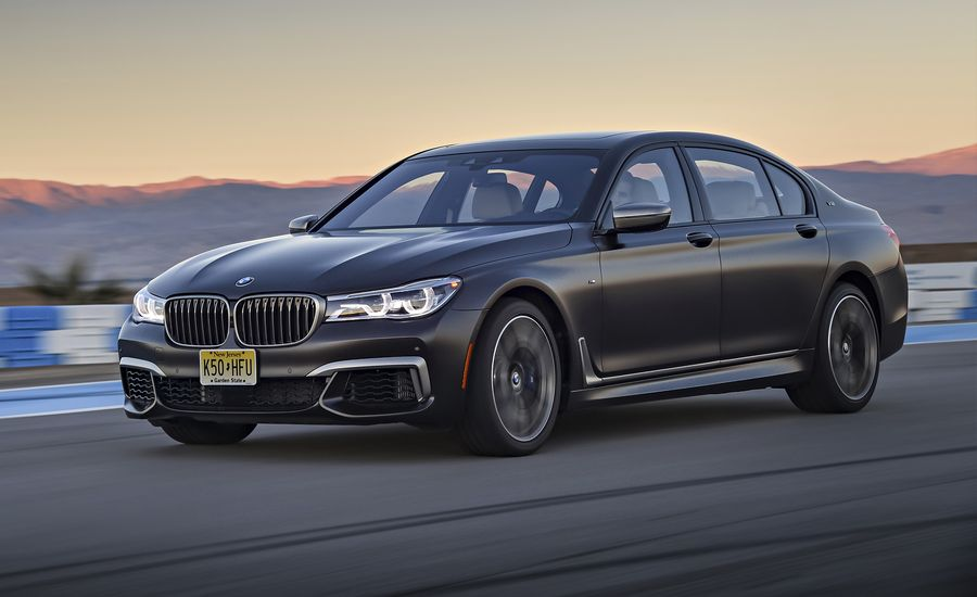 2017 bmw m760i xdrive first drive review car and driver. Black Bedroom Furniture Sets. Home Design Ideas