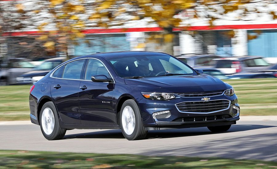 2017 chevrolet malibu quick take review car and driver. Black Bedroom Furniture Sets. Home Design Ideas