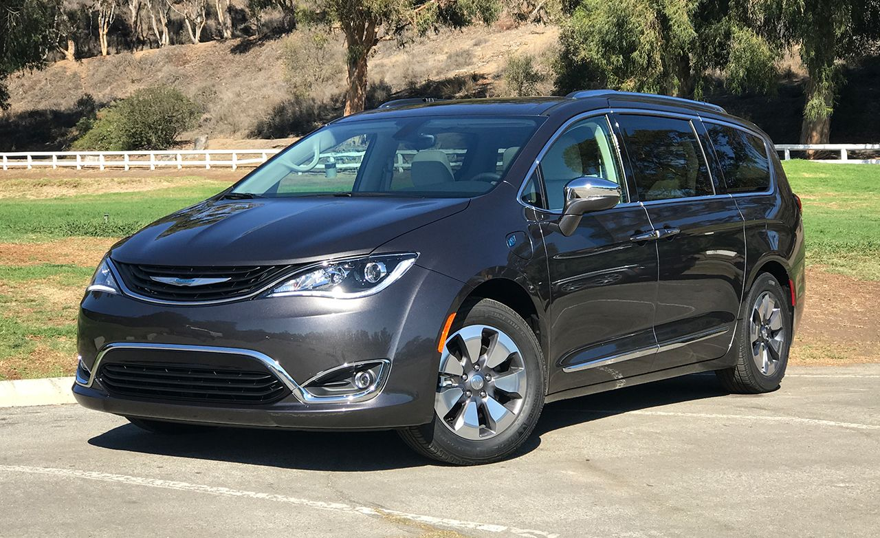 2017 chrysler pacifica hybrid first drive