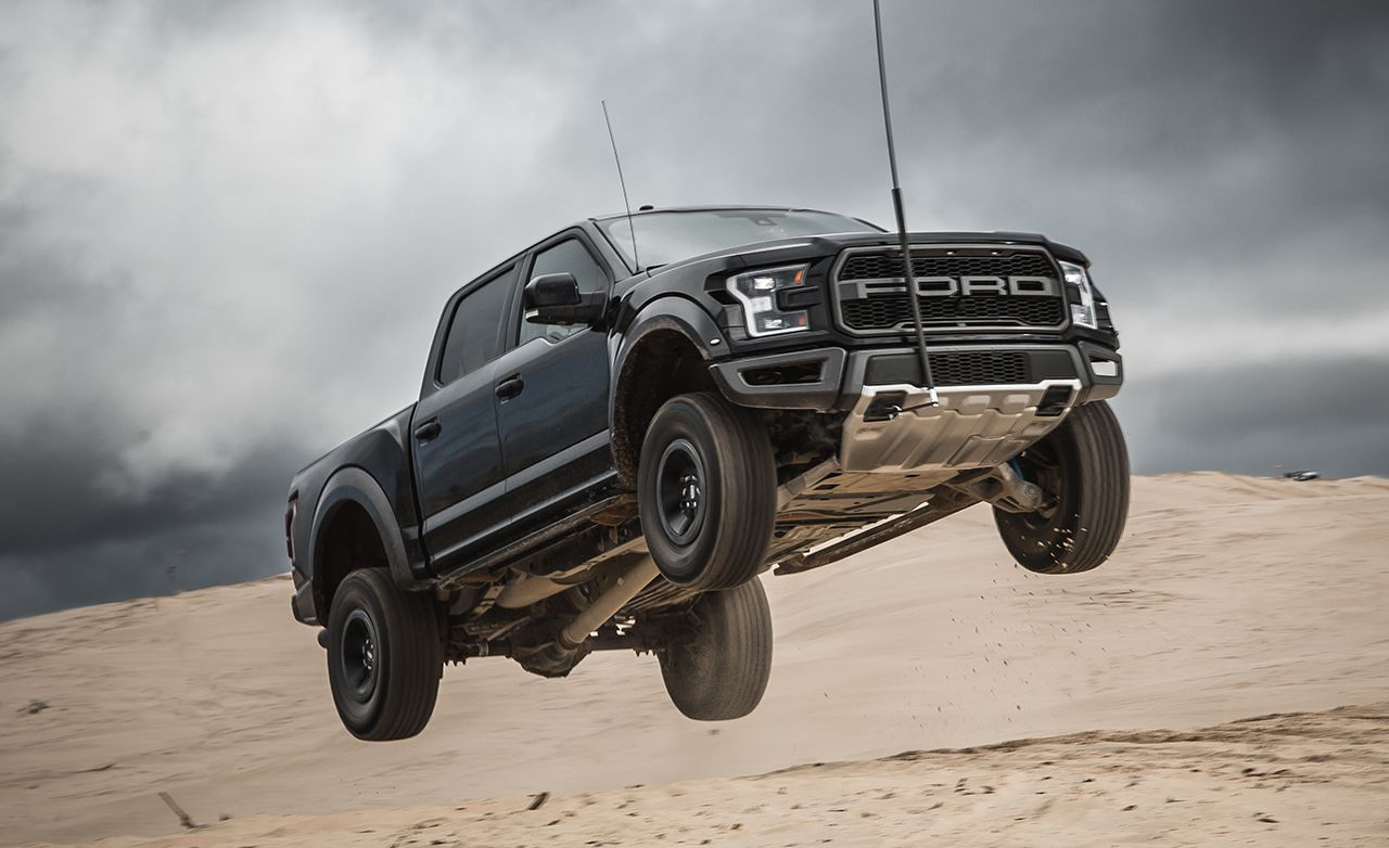 Ford f 150 raptor reviews ford f 150 raptor price photos and specs car and driver