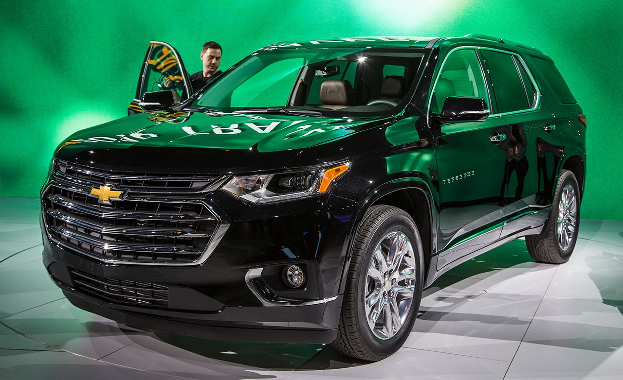 2018 Chevrolet Traverse Photos and Info | News | Car and ...