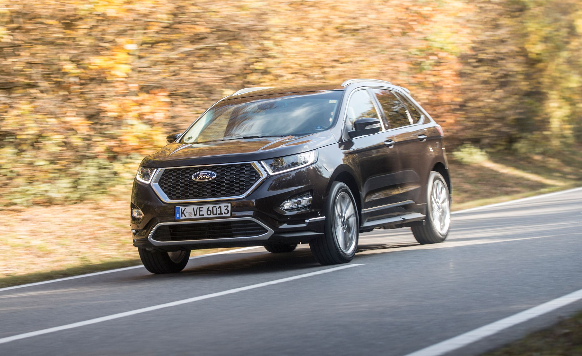 2017 Ford Edge Vignale First Drive Review Car And Driver