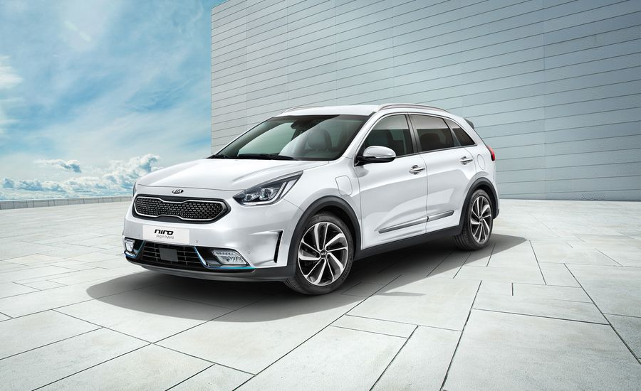 2018 Kia Niro PHEV: The Plug-and-Play One