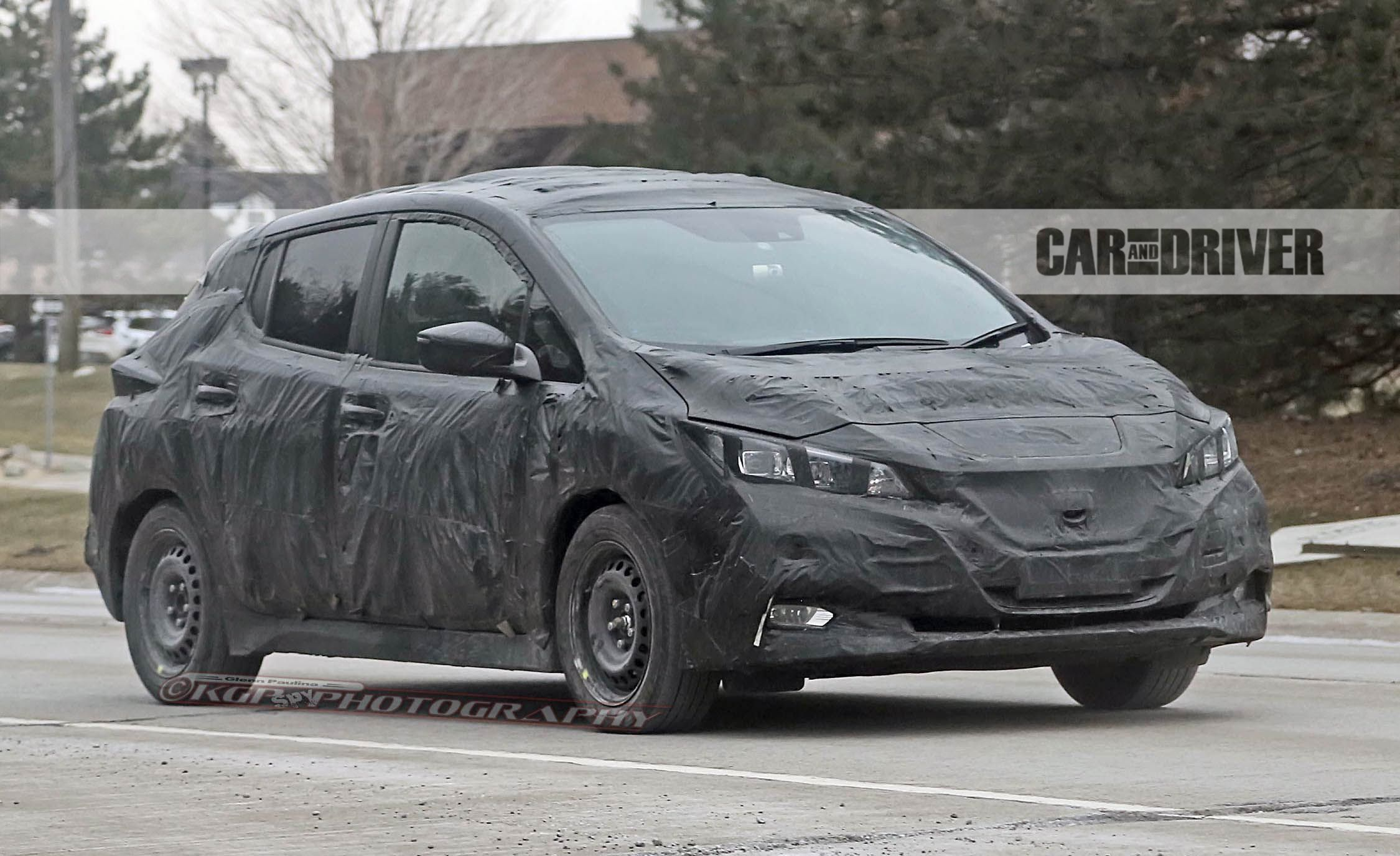 2018 Nissan Leaf Spied: Will Offer Longer Range, Less Weird Styling