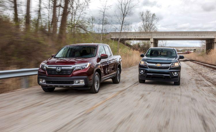 2017 Chevrolet Colorado LT Crew Cab 4WD vs. 2017 Honda Ridgeline RTL-E AWD