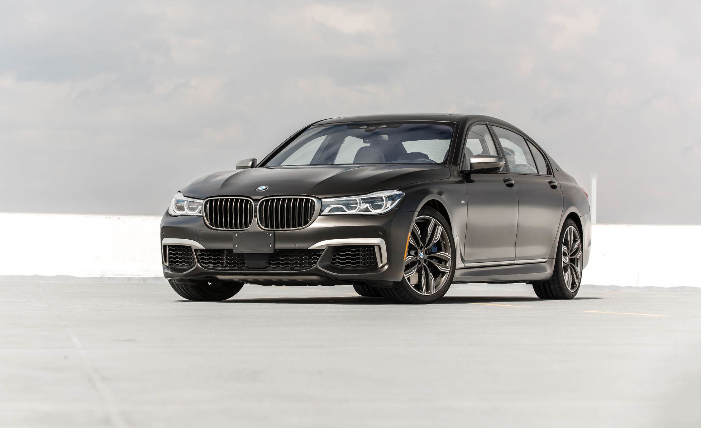 BMW 7 series Reviews BMW 7 series Price s and Specs