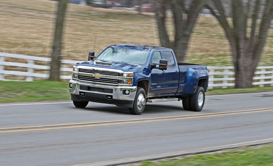 2017 chevrolet silverado 3500hd diesel 4x4 test review car and driver. Black Bedroom Furniture Sets. Home Design Ideas