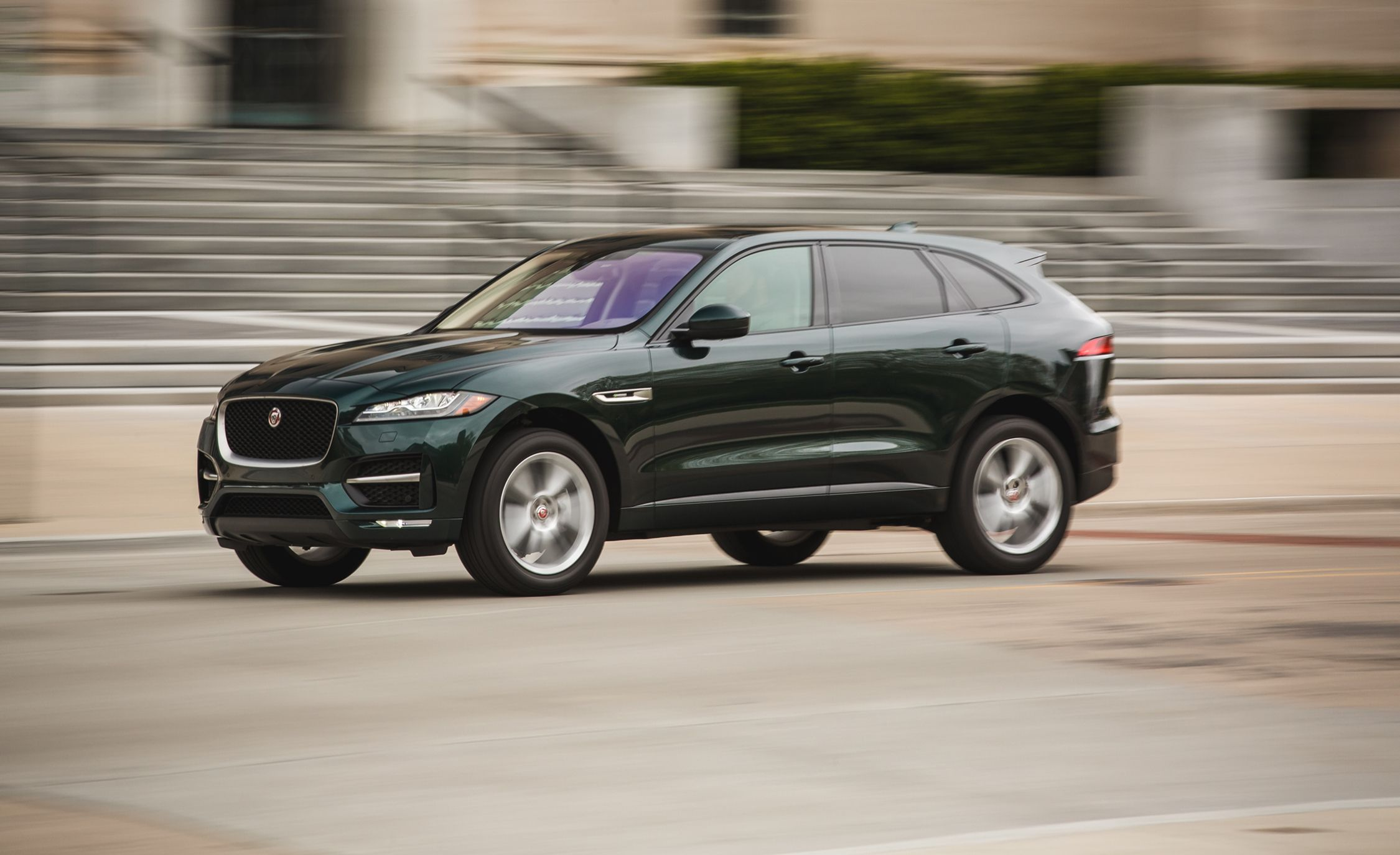 2017 Jaguar F Pace 35t Test Review Car And Driver Suv Interior