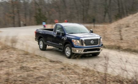 2017 Nissan Titan V-8 4x4 Single Cab