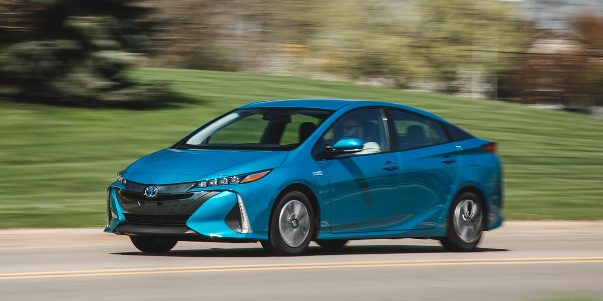 2017 Toyota Prius Prime Plug In Hybrid Test Review Car And Driver