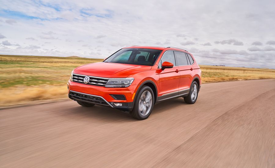 2018 volkswagen tiguan first drive review car and driver. Black Bedroom Furniture Sets. Home Design Ideas