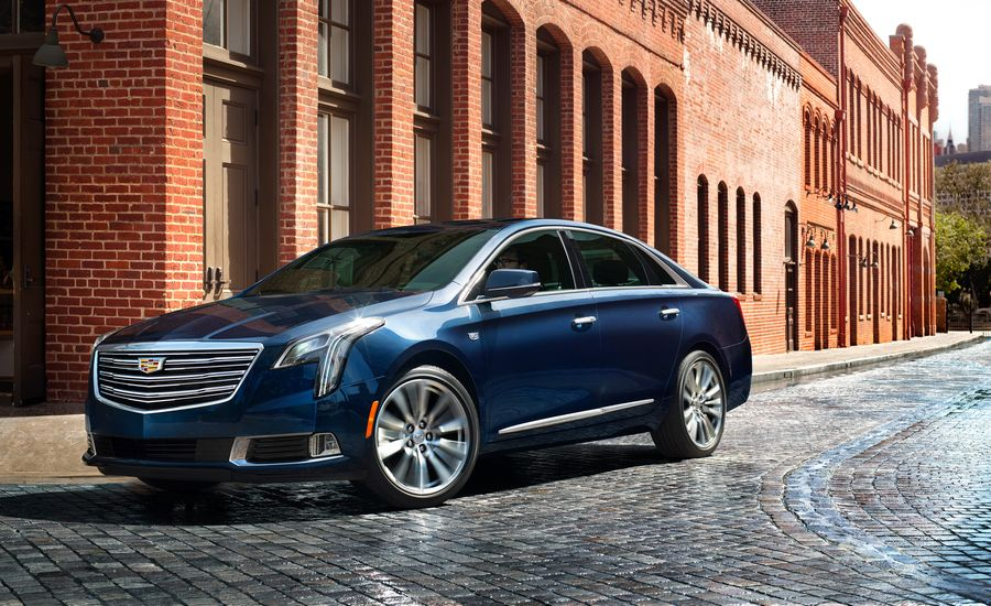 2018 Cadillac XTS Photos and Info | News | Car and Driver