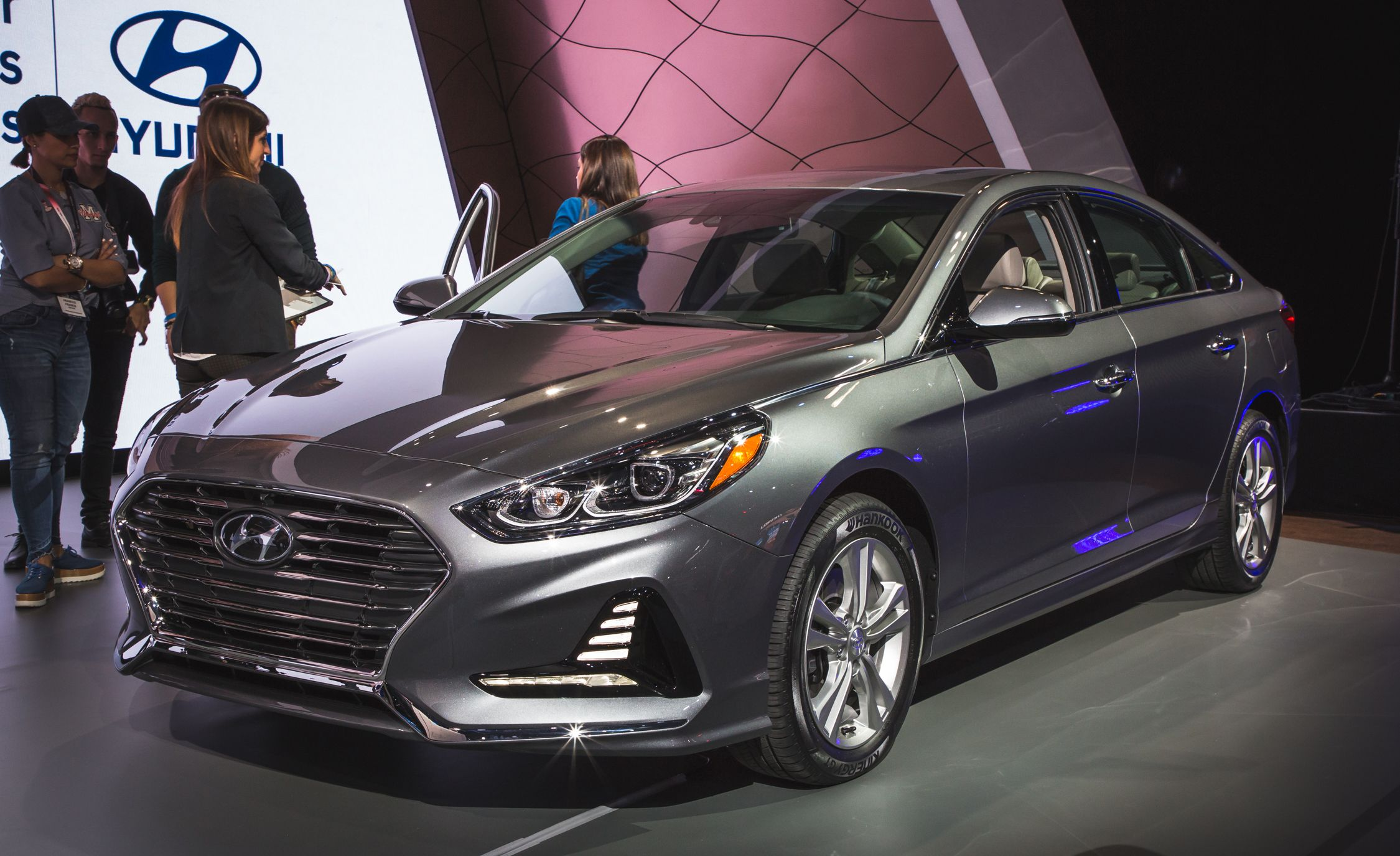 2018 Hyundai Sonata Photos And Info News Car And Driver