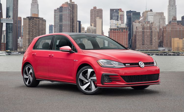 2017 volkswagen golf first drive review car and driver. Black Bedroom Furniture Sets. Home Design Ideas