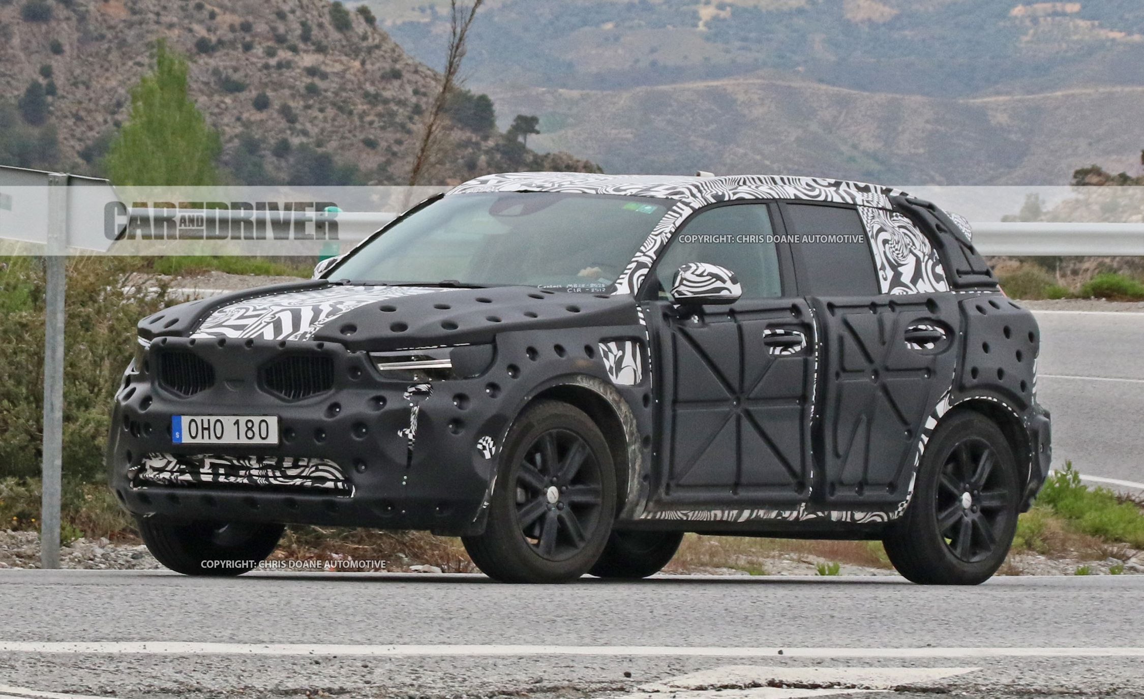 Swede Sighting: 2019 Volvo XC40 Spied