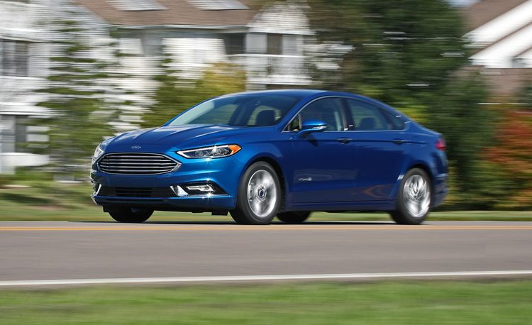 2017 Ford Fusion Hybrid Reviews