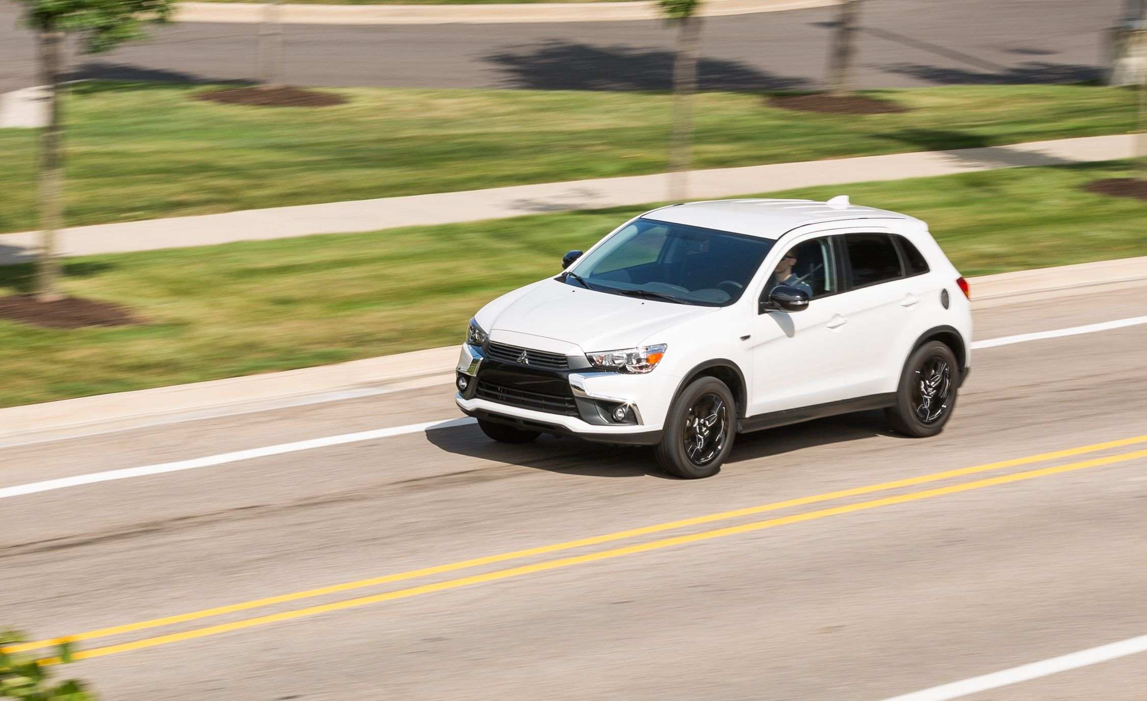 2017 Mitsubishi Outlander Sport 2.0L AWD Test | Review | Car and ...