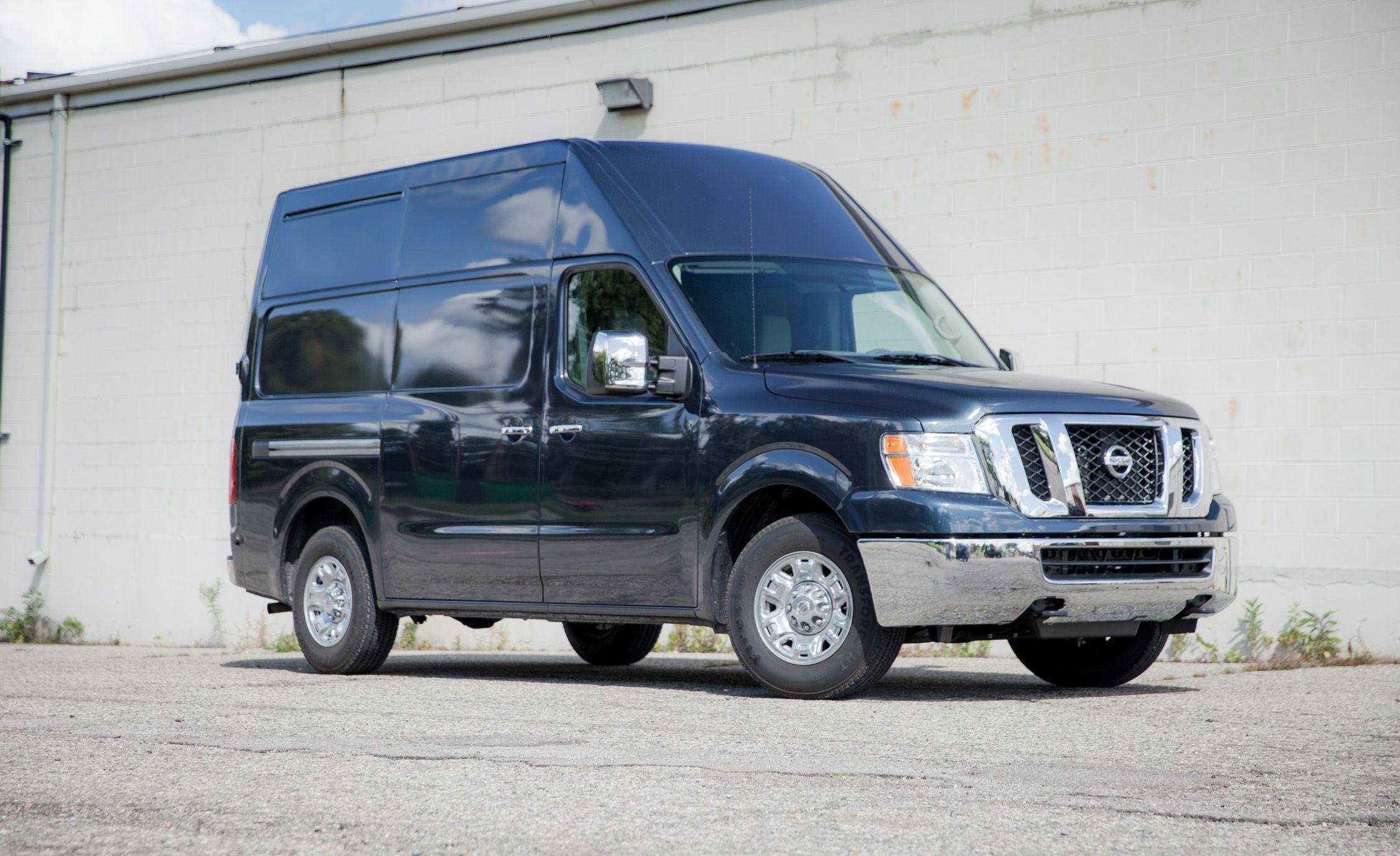 2017 Nissan NV3500 HD High Roof Cargo Van Test Review