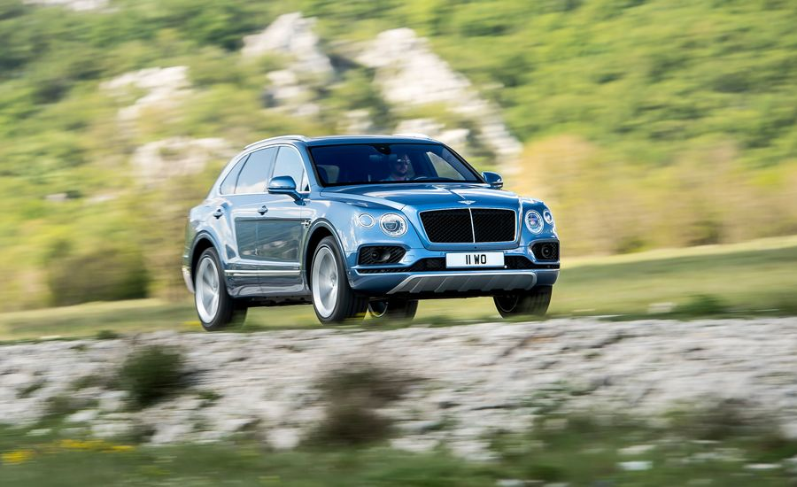 2018 Bentley Bentayga Diesel First Drive Review Car And Driver