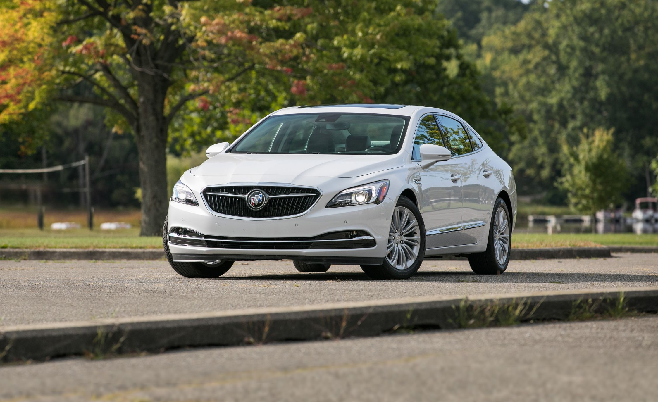 is lacrosse review reviews beautiful sedan big buick