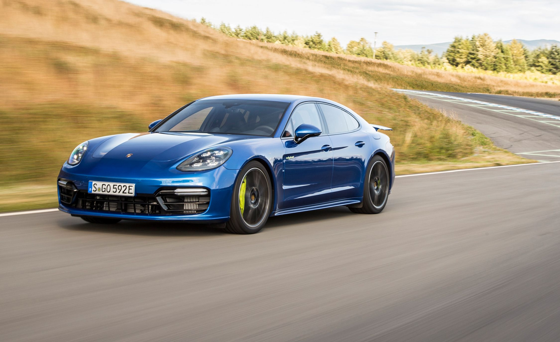 2018 Porsche Panamera Turbo S E Hybrid First Drive Review Car And Driver