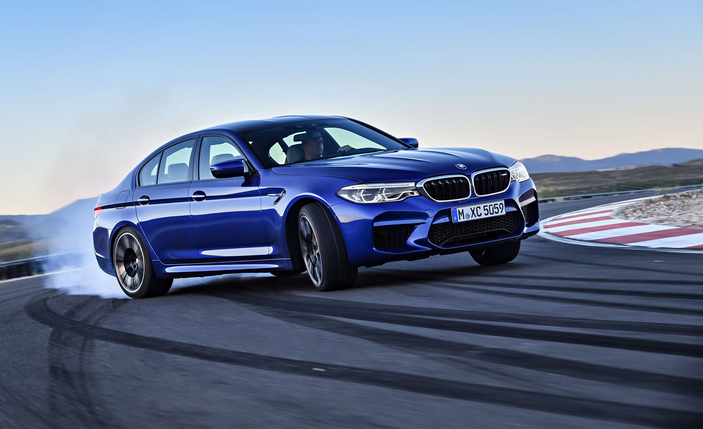 2018 Bmw M5 Photos And Information News Car And Driver