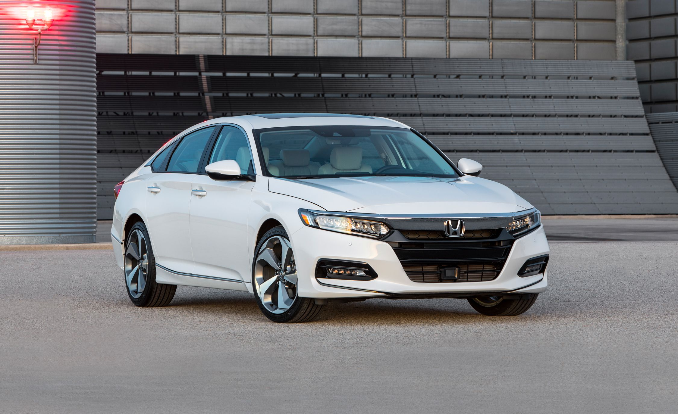Honda Accord 2018 White >> 2018 Honda Accord Officially Revealed! | News | Car and Driver
